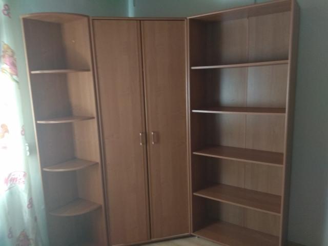 Продается мебель бу в комплекте: угловой платьяной шкаф, угловая полка, шкаф с полками все вместе