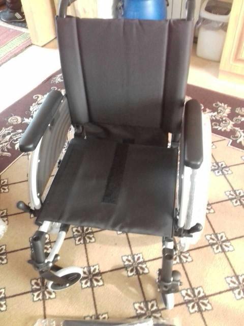 коляска новая с подушкой