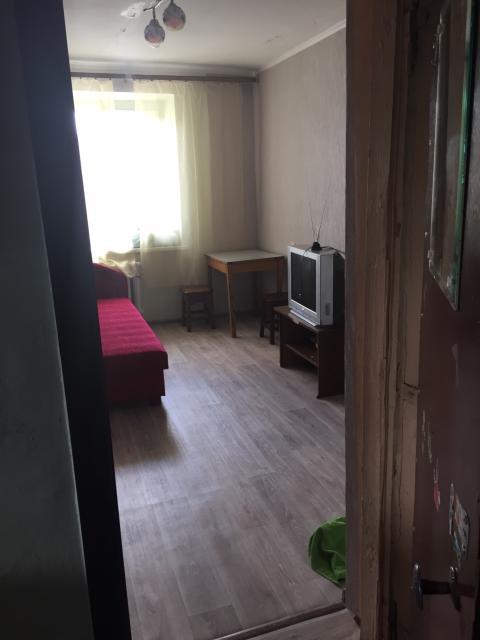 Сдаю благ.комн в секц.общ 13кв.м., в центре ул.Губина , р-н пл.Орджоникидзе , мебелир, холод, ТВ, свежий ремонт, поряд. девушке или паре тел 89148268772