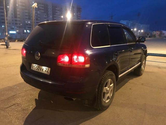 Продаю Volkswagen Touareg 2004гв стоковая V4.2 Таурег v8 двигатель, полный привод с блокировкой 4wd, полная пневмоподвеска спорт комфорт авто режим, салон кожа, электро люк, короче полный фарш для своего года. Возможен обмен с Вашей доплатой варианты пишите.
