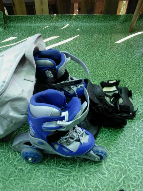 продам детские ролики размер 26-29 сумка и защита в комплекте