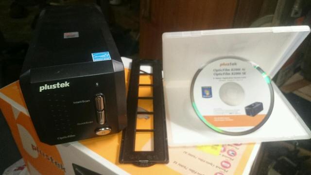 Слайд сканер Plustek OpticFilm 8200i SE. Практически новый