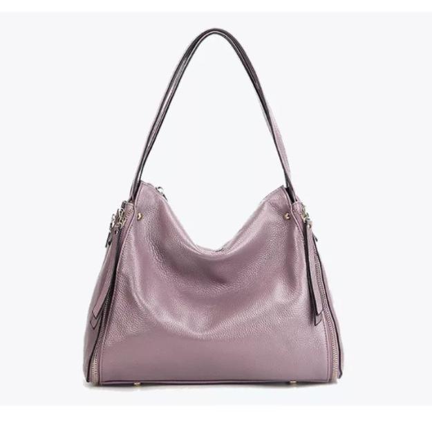 Продаю новую сумку из натуральной кожи, размер 30см ×27 см, есть дополнительный длинный ремешок