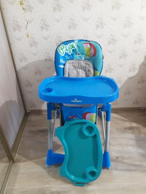 Продаю детский стульчик для кормления в хорошем состоянии. Сменный столик. Регулировка спинки.
