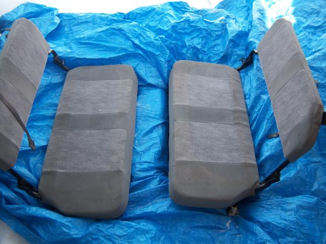 продаю задние сиденья-откидные лавки от ЛендКрузера. чистые без дырок.