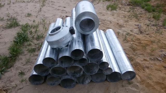 Продаю трубы оцинкованные, длина 1,25м. диаметр 180 - есть 2 штуки, цена 500руб/шт; новые, цена ниже рыночной, осталось только 2шт больше ничего нет. Тел.89142709254.
