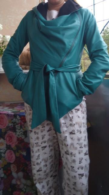 Куртка нат кожа эксклюзив за 3000, дублёнка натур с лазерным напылением мех лама 5000 , пальто утепленное мех лама 3000 все в идеальном состоянии размер 44-46