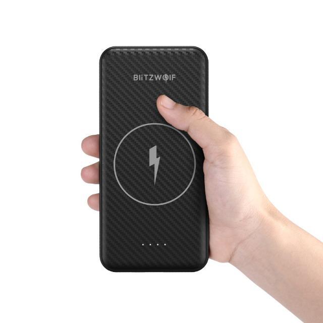 Внешний аккумулятор (power bank, переносной зарядник) 10000mA-h/37Wh поддерживается беспроводная зарядка для телефонов, поддерживающих эту функцию: iPhone X, 8; Samsung Galaxy S6, S7, S8, S9, и др. Хватит чтобы 3,5 раза полностью зарядить айфон 6; В запечатанной упаковке; Цена окончательная; Максимальный выходной ток 2.7А; Можно заряжать 3 устройства одновременно; Литий-полимерная батарея нового поколения; Эффективность преобразования 81.6% Все современные разъемы  Входы для зарядки MicroUSB, USB Type-C Отделка под карбон Размер: 155*75*17 мм Вес: 243 г  Мобильная зарядка; Портативная зарядка;