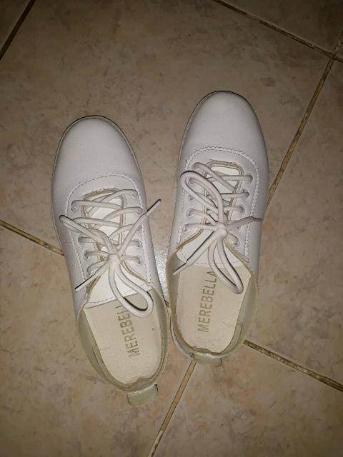 Кеды белые в отличном состоянии. Размер 37