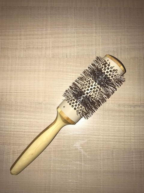 Расческа для укладки волос. Деревянная, новая.