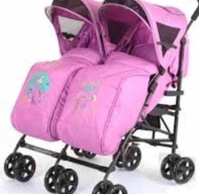 Продаю прогулочную коляску для двойни urban duo, в отличном состоянии,легкая,цвет подходит для девочек. Самовывоз.