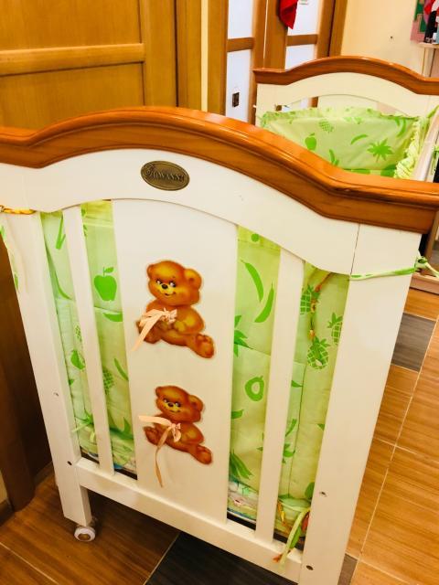 Продаётся Детская кроватка английская Giovanni, состояние хорошее , бортик и матрас в подарок