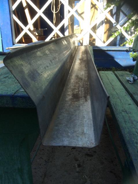ЖЕЛОБА ВОДОСТОЧНЫЕ Оцинкованное Железо Длина 1,8 м Сечение 8х8 см  Советского Производства НОВЫЕ ! По