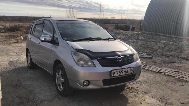 Продаётся Toyota Corolla spasio , семейное авто, цвет серый