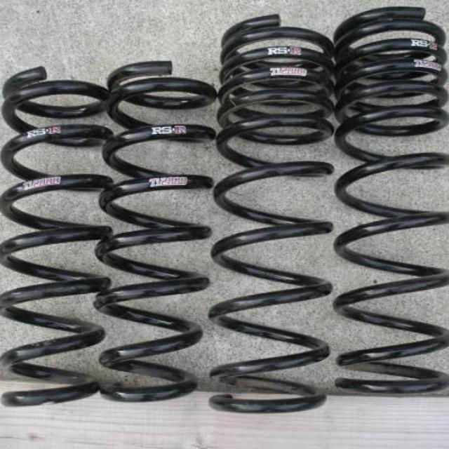Продам заниженные пружины на родные стойки на Aristo jzs160-161, Crown Majesta jzs177 uzs17x, занижение 3-4 см, на фото другие, 89142803068 7000руб.