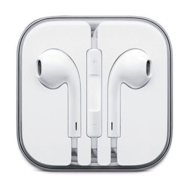 Продаю оригинальные наушники Apple AirPods от iPhone, в отличном состоянии! Можете проводить любые проверки! Возможна доставка! Звоните 89142275937, или обращайтесь в whats app!