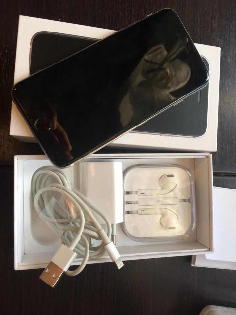 Продаю или обмен iPhone 6 16gb space grey , в идеальном состоянии , все работает отлично , коробка , документы , зарядник , наушник (все родные)+ в подарок новое защитное стекло и 2 чехла (состояние аккумулятор 92%) минимальный Торг
