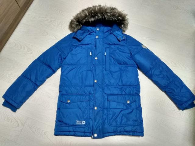 Продаю куртку подростковую на синтепоне, рост 170, б/у 1 сезон, подклад флисовый, со съемной опушкой, цвет синий, торг.