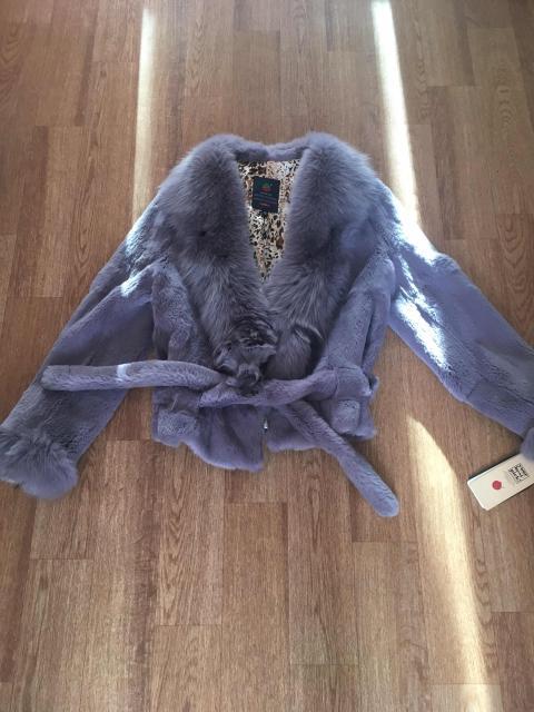 Продаётся куртка из стриженого кролика. Новая. Размер 42