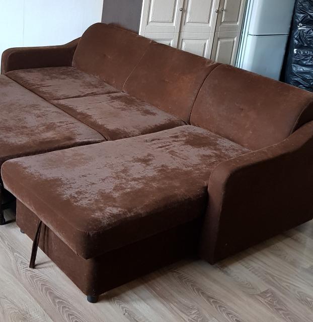 Продается б/у диван угловой. Ничего не сломано. Самовывоз.