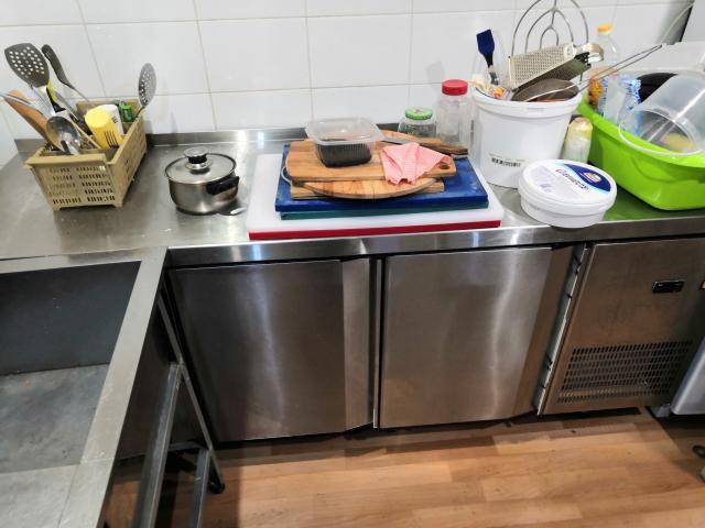Продам практически новый, в наклейках холодильный стол Модель: СХС-60-02 абат. Торг хороший реальному покупателю !