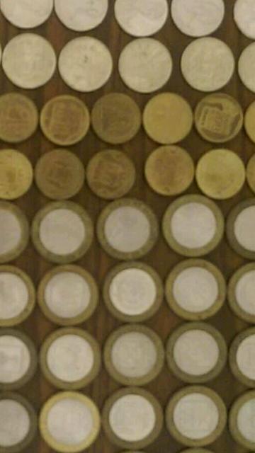 Подборка из 108 монет Имеется 67разных червонцев, 23шт.-двушек,петёрки,рубли,двадцатьпятки. Всё сразу,не дробя