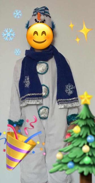 Продам новогодний костюм снеговика (рост 110-122), в отличном состоянии (шапочка, шарфик, комбинезон на молнии). Обр. 89841160541.