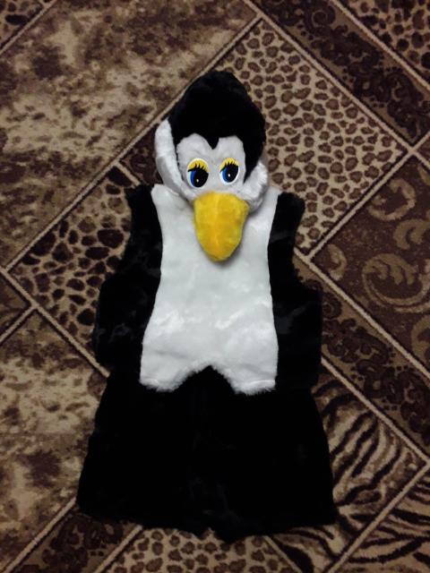 Продаю костюм ПИНГВИНА на 3 - 4 года за 500 руб, обращатся по тел 89241699317 ватцап