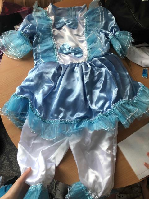 продаём почти новый новогодний костюм , на девочку 8-9 лет