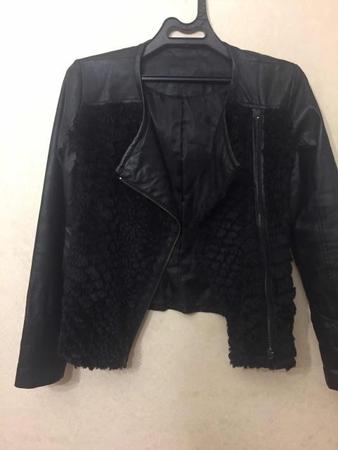Продаю кожаную(натур)куртку в отличном состоянии, размер 42-44 размер