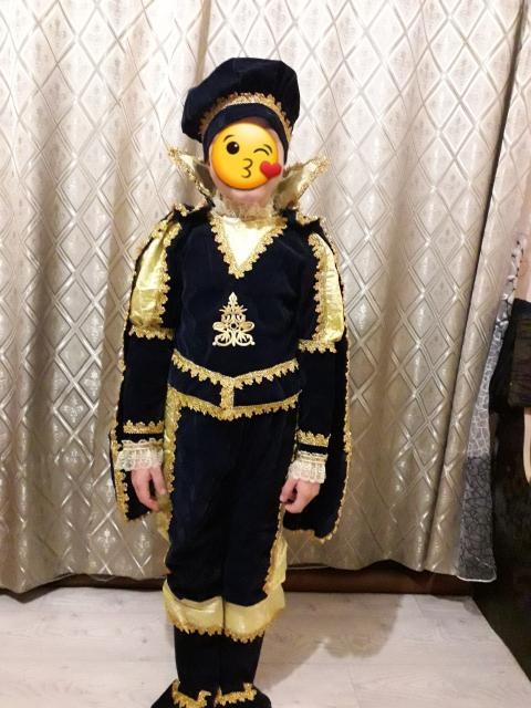 Продаю новогодний костюм ПРИНЦ на 5 - 6 лет за 1500 тр, обращатся по номеру тел 89241699317 ватцап