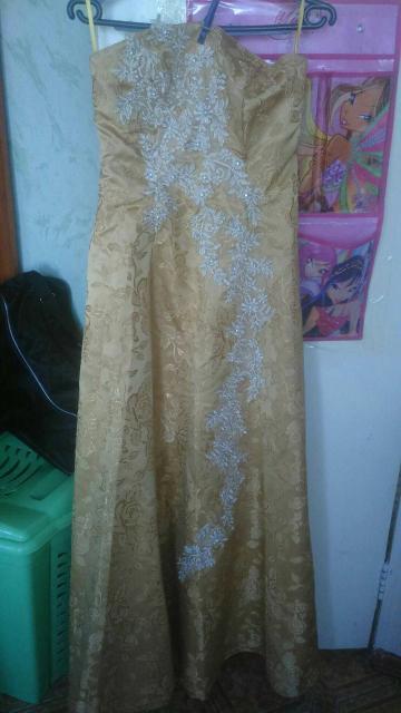 Продаю платье на корсете 44 - 46размер, длинное, в отличном состоянии за 1500
