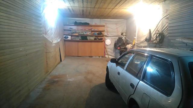 Сдаю места в теплом гараже на ул Герцена11 на территории частного дома. Оплата 8т. в месяц. При предоплате за 3 месяца по 7т в месяц.