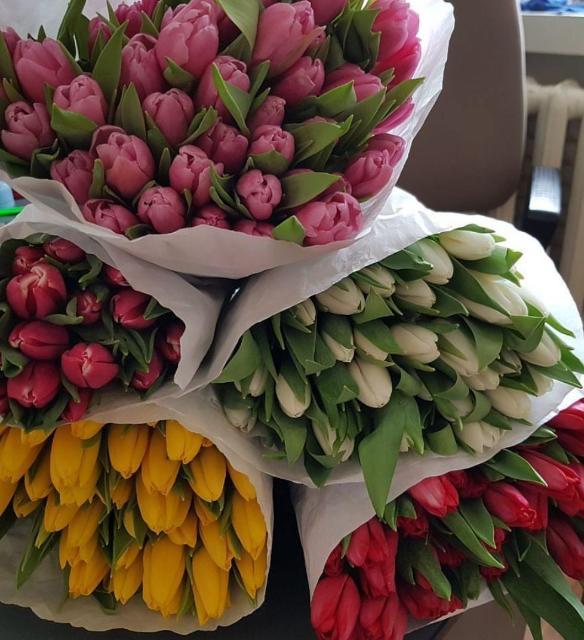 ПРИНИМАЕМ ЗАЯВКИ НА ГОЛЛАНДСКИЕ ТЮЛЬПАНЫ🌷 Оптом и в розницу, цветы к празднику 8 Марта! Тюльпаны 🌷по цене  от 1шт 90рб, от 100 шт 70рб Оплата 100%.Цена действует до 1 марта.  Заключаем договора📝 с предприятиями.  Работает наличный и без наличный расчёт.  Берем на себя полное ответственность, хранение и доставку, 🚘 в указанные сроки и время.  Готовые букеты 💐 в праздничные дни, возможно будет доставка до подьезда🚘 . По всем вопросом обращайтесь по 📲 89841005055