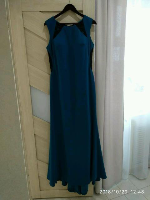 Платье вечернее  в пол со шлейфом, в отличном состоянии, размер 48, фото по ватсап, цена 900руб.