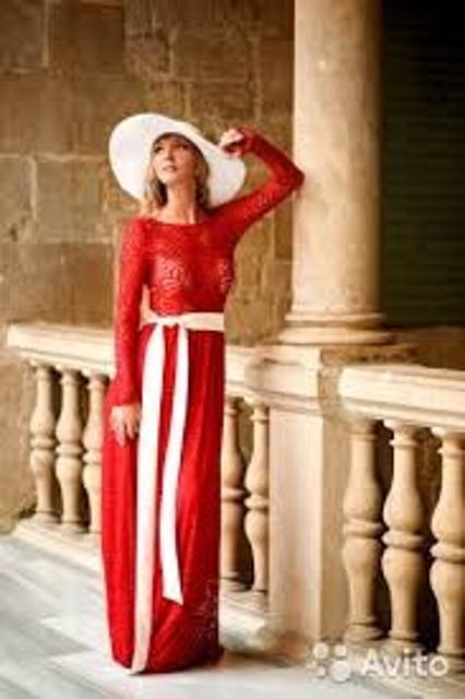 Продаю новые платья (не ношены, этикетки все на месте) каждая по 1000 рублей Mira Sezar