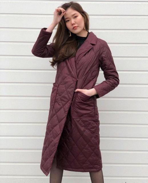 Отдам новую стильную куртку на весну размер М, на 46-48, причина не подошел размер, на фото, цвет бордо