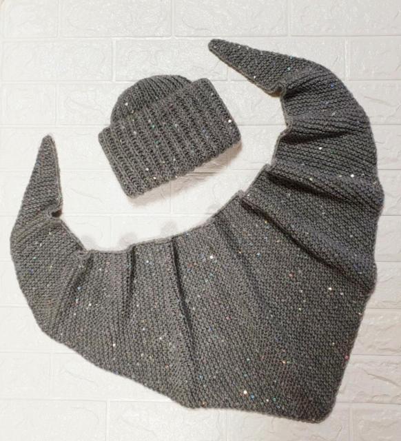 Продаю комплект шапка Такори +бактус. Размер шапки 55-57см. Возможна доставка.