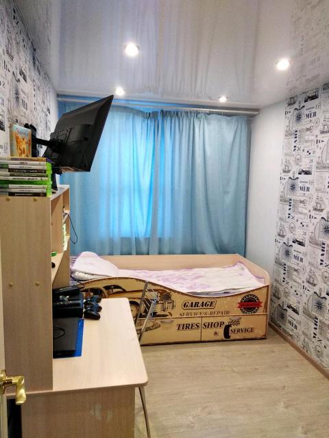 Продается детская кровать ретро автомобили(10000т.р), шкаф(8500), стол (6500)