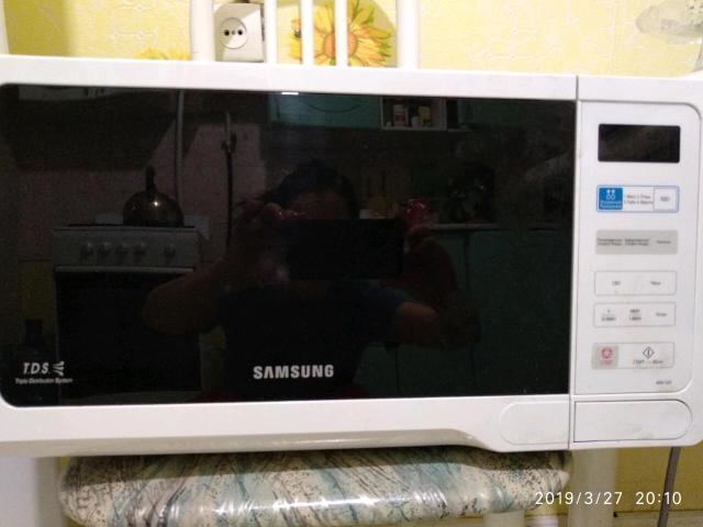 Микроволновая печь Самсунг в отличном состоянии