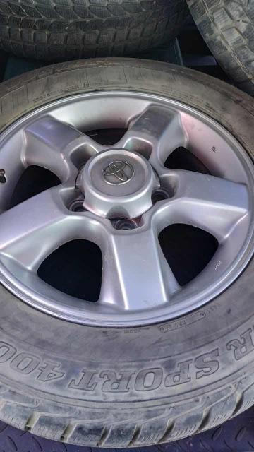 Продаю комплект колёс, Dunlop sport, диски Toyota, с торгом, приезжайте смотрите