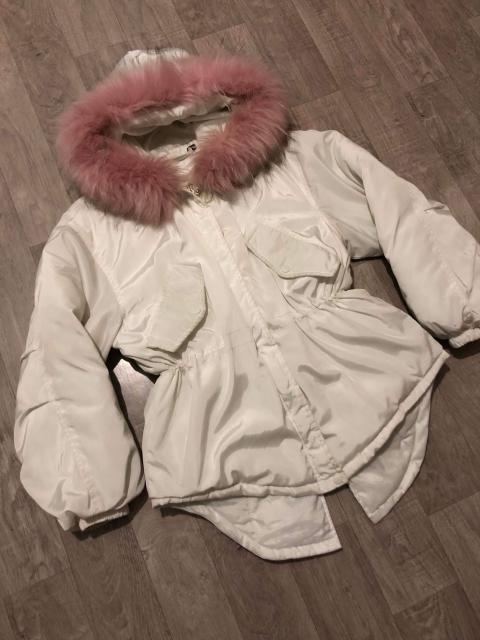 Классная куртка для модниц, размер м, но можно и на s