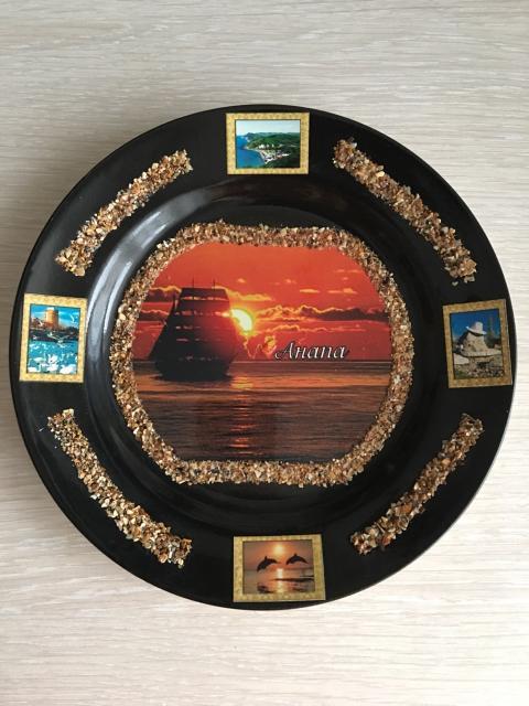 Продам новую сувенирную тарелку. Самовывоз с центра