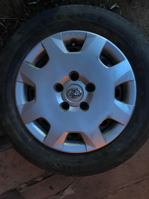 Комплект летних колес 4шт на штамповке, без грыж и порезов, накачены, остаток на докатку, сверловка 5*114, маркообраз на ипсум гая, на одном колпака нету