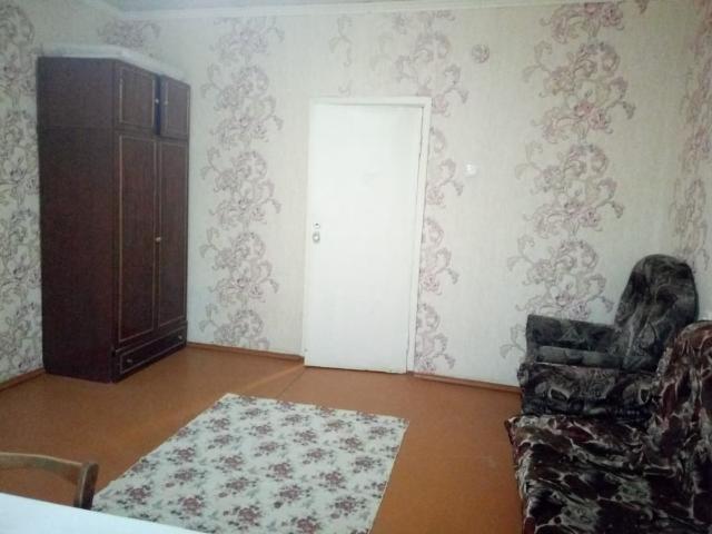 Продаю 2 ком квартиру , 2 этаж с ремонтом , срочно !  Квартира с хорошим ремонтом, так же есть теплицы во довре  ЦЕНА СРОЧНО В СВЯЗИ С ОТЪЕЗДОМ ! ТОРГ  Звонить , писать строго сюда (Собственник) 89244601899