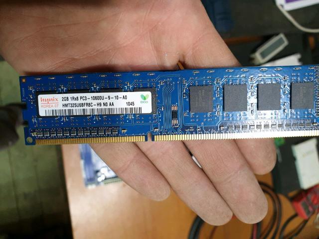 Собрал на процессоре Pentium Dual-core E5700 3.00Ghz , Озу 4gb, материнка AsRock G41M-VS3 , HDD SSD kingstone 120gb и дополнительный HDD под файлы WD 250Gb корпус новый , Блок питания FinePower DNP-350 watt, видеокарта geforce 6600 , 128 mb. Получился отличный пк для дома и офиса со всем необходимым ПО . На борту win 7 pro , архиваторы , плейера , антивирус все необходимое для просмотра любых файлов есть цена данного системника 10000 руб обращайтесь