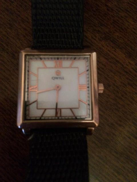 Часы золотые QWILL кварцевые. Швейцарский механизм. Вес 3.50г. Все вопросы по ватсап.   Возможен обмен  рассмотрю все варианты