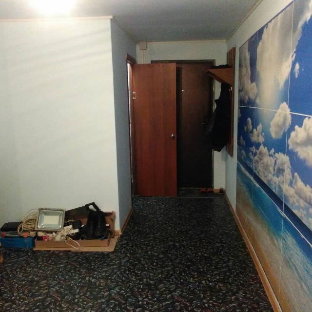 Сдаётся квартира студия в районе космобола девушкам или семье Саха. Есть холодильник, стиральная машина автомат, диван, стол, стулья. Балкон большой 8м2. Желательно предоплата на 2 месяца. Плюс счётчики. 89142631548 89148251182
