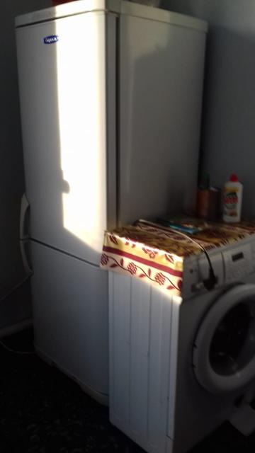 Сдаётся на длительный срок благоустроенная квартира-студия 30кв.м. в районе ЯГСХА. Новостройка 2017г, ремонт хороший. Есть холодильник, стиральная машина-автомат, диван, стол, стулья. Балкон большой 8м2. Цена 15 000т.р Плюс счётчики. 89148251182 +79142631548