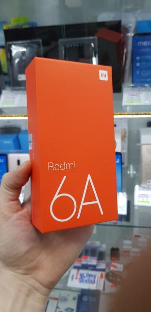 """Самая низкая цена в Якутске, дешевле не найдете. Более 100 моделей, """"Мир Смартфонов"""" Кирова 30, эт 3. Ростест, вилка для России,Global Version. Xiaomi redmi 6a, экран 5.45 дюймов, камера 13 мег, 4G LTE, аккум 3000 мАч 16Gb -BLACK, Gold, Blue-6490, 32Gb Black - 7390 руб Платформа: MIUI на базе Android Дисплей: 5,45"""", 1440 х 720 точек, 18:9, 295 ppi, 1000:1, IPS Камера: Redmi 6A: 13 Мп, f/2.2, фазовый автофокус, LED-вспышка, EIS, запись видео 1080p@30fps Фронтальная камера: 5 Мп, 1,12 мкм, f/2.2, запись видео 1080p@30fps Процессор:   4 ядра, 12 нм, до 2,0 ГГц, 64 бита, MediaTek Helio А22 Графический чип: PowerVR GE8320 Оперативная память: 2 ГБ Внутренняя память: 16 ГБ, 2 сим"""